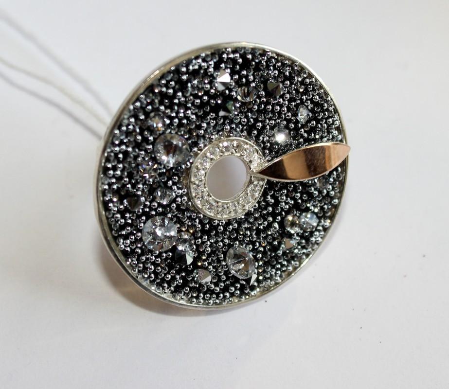 Серебряные кольцо с черными фианитами и золотом Алиса