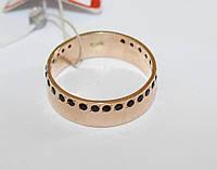 Золотое обручальное кольцо с черными фианитами