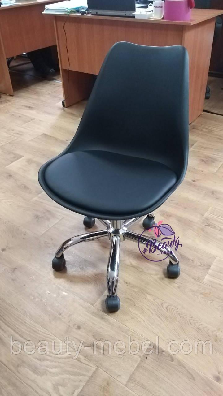 Кресло на колесах Астер, мягкая подушка, цвет черный