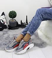 Женские кроссовки осенние