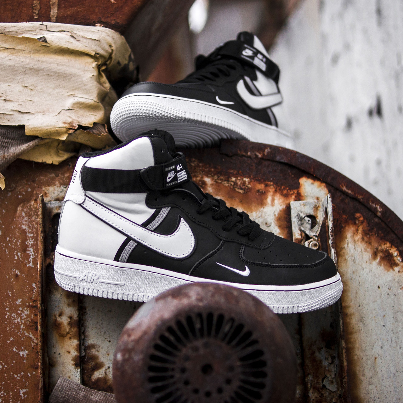 Мужские кроссовки Nike Air Force High LV8 Black/White, Реплика