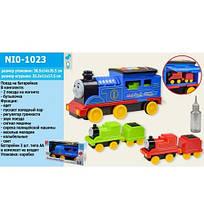 KMNI0-1023 Поезд батар.   свет, звук, дым, в кор.38,5*14*20,5см