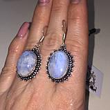 Лунный камень адуляр. Красивые овальные серьги с лунным камнем в серебре. Натуральный лунный камень. Индия, фото 3