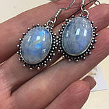 Лунный камень адуляр. Красивые овальные серьги с лунным камнем в серебре. Натуральный лунный камень. Индия, фото 4