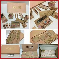 Набор декоративной косметики бежевый Kylie Jenner, фото 2