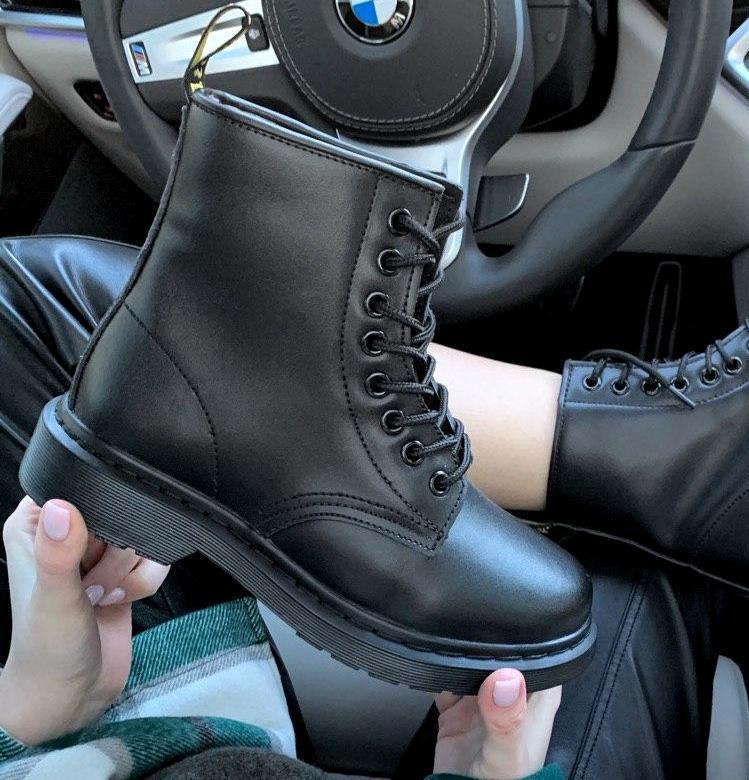 Женские зимние ботинки Dr. Martens 1460 Black с мехом