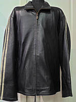 Куртка кожаная чёрная на рукавах по 2 бежевых лампаса  на  молнии длина 70см 48р-50р