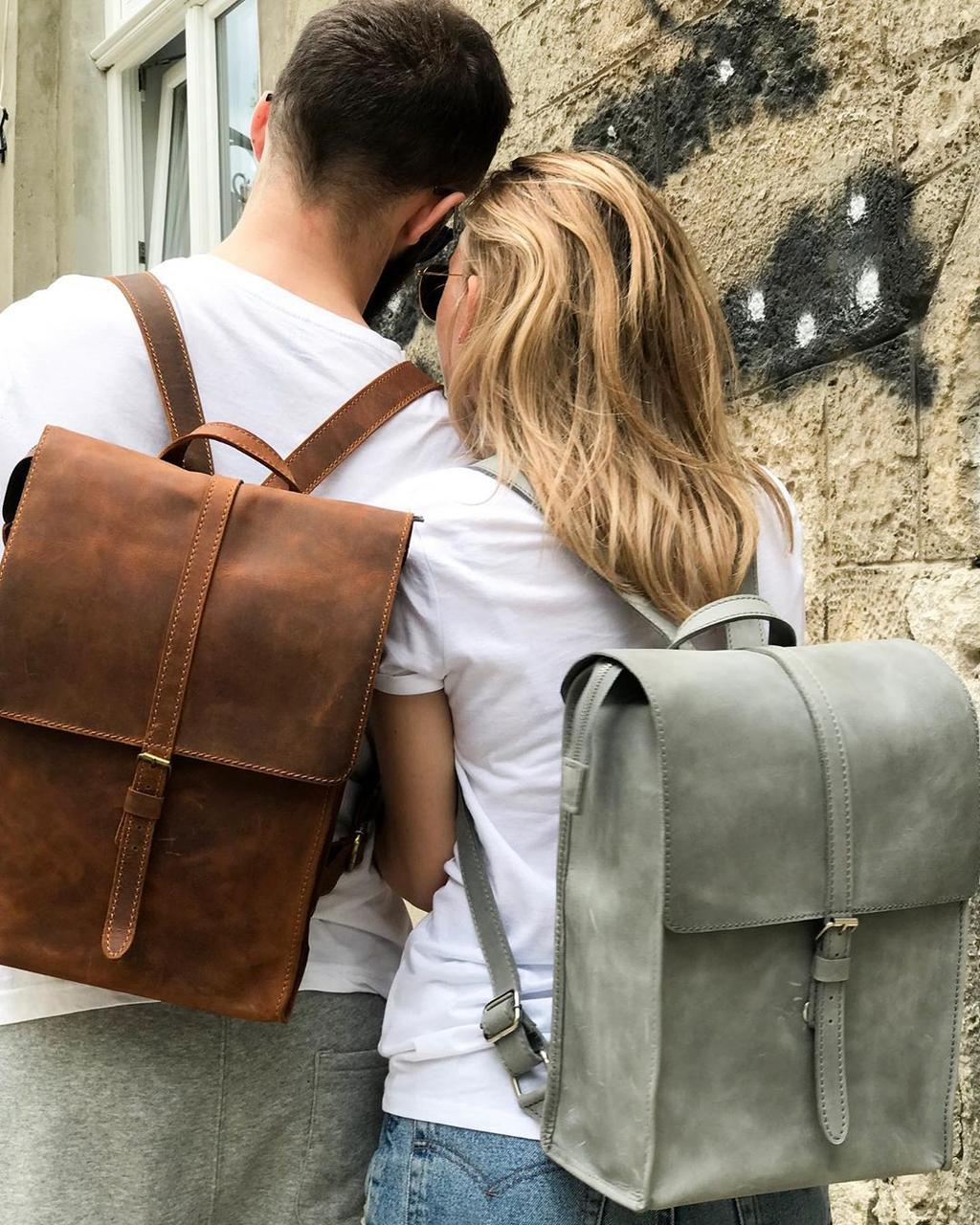 Шкіряний рюкзак «Backy Cognac» чоловічий бурштиновий (26x35 см) ручної роботи від pan Krepko