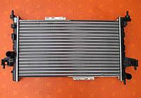 Радиатор  новый для Opel Combo 1.3 cdti. Водяной радиатор Опель Комбо 1,3 цдти.