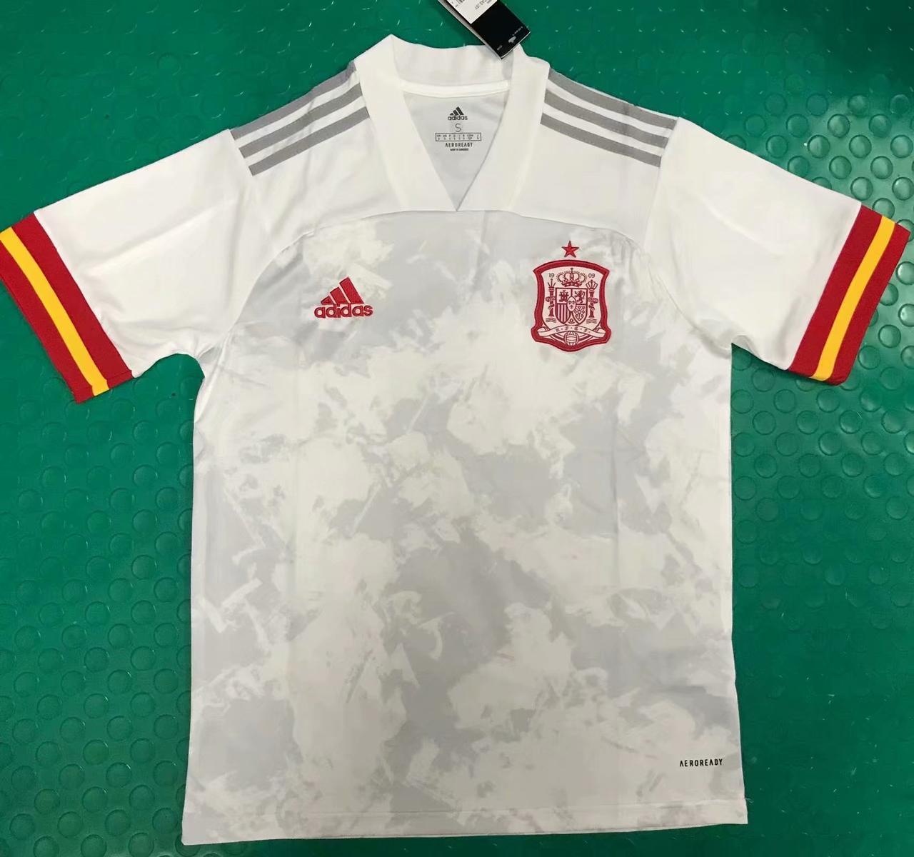 Футбольная форма сборной Испании 2020, гостевая