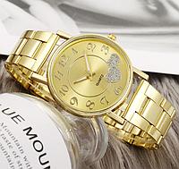 Стильные  женские часы QUARTZ
