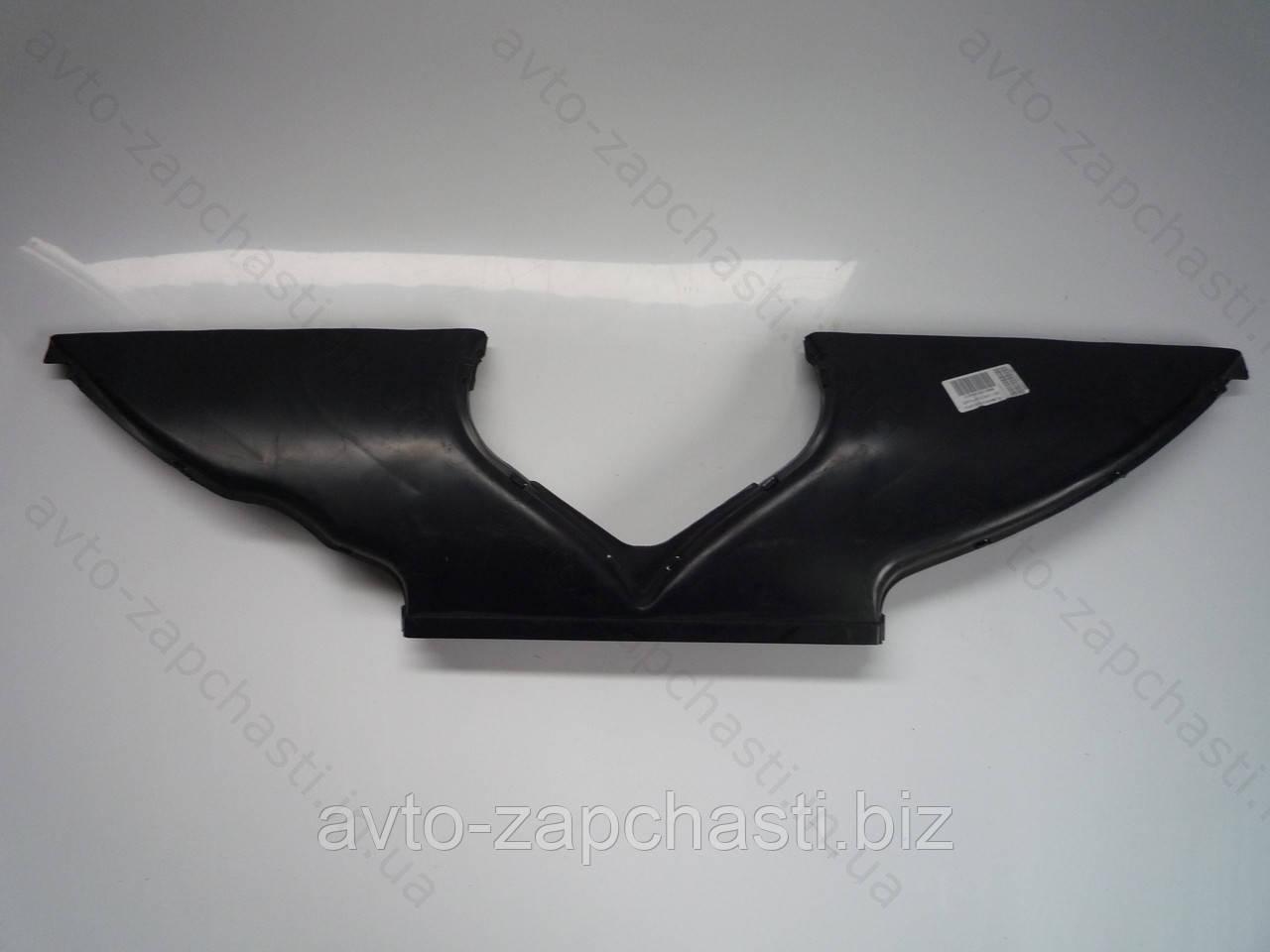 Воздухопровод обогрева ветрового стекла ВАЗ 2105