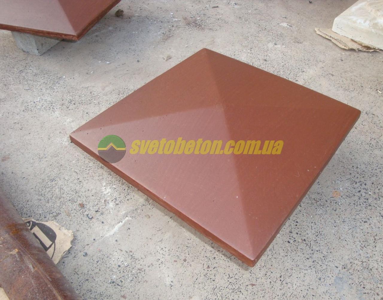 Крышка колпак на столб забора бетонная, шляпка 305х305, плита накрытие парапета колонны из бетона.