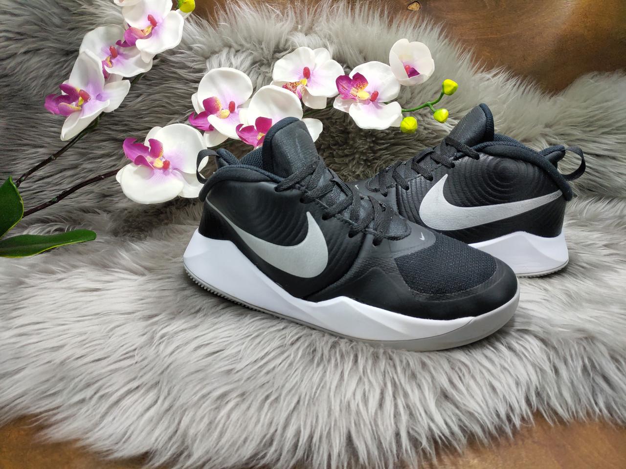 Кроссовки Nike Team Hustle D 9 (36.5 размер) бу