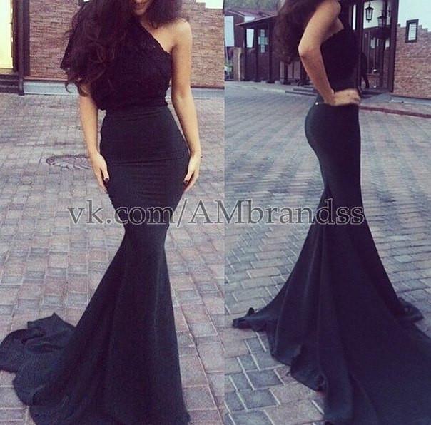Платье вечернее в пол ,ткань Верх дорогой гипюр Юбка со шлейфом, цвет  черный , 66138079ca7