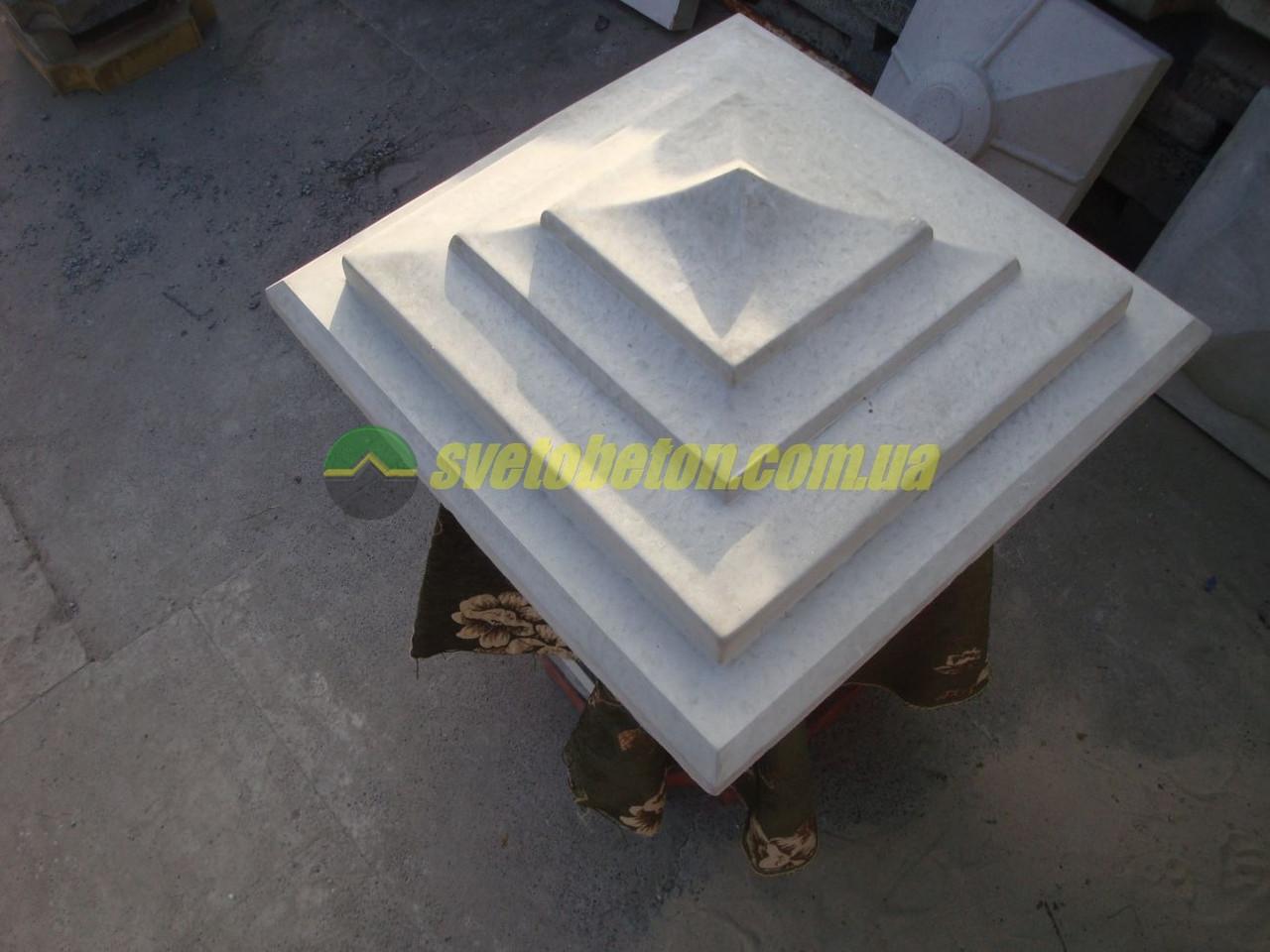 Крышка колпак на столб забора бетонная большая, шляпка 550х550, накрытие парапета колонны из бетона.