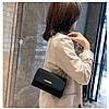 Женская черная сумка с позолотой, фото 7