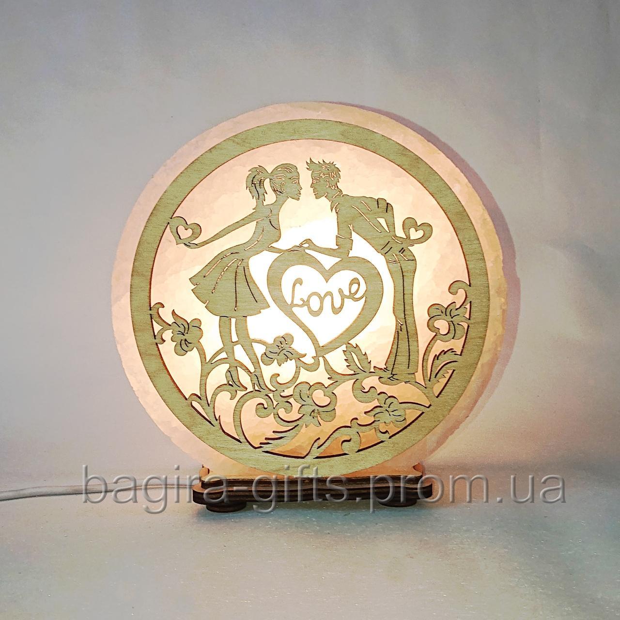 Соляна лампа кругла Пара з серцями
