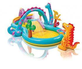 Надувной игровой центр Intex 57135 «Планета динозавров» с фонтаном и надувным кольцом»