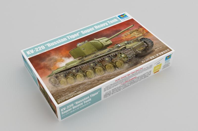 КВ-220 советский тяжелый танк. Сборная модель в асштабе 1/35. TRUMPETER 05553