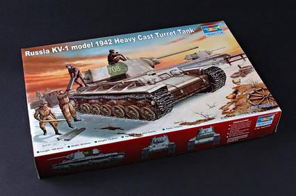 КВ-1 (тяжелая башня, 1942 г.) Сборная модель танка в масштабе 1/35. TRUMPETER 00359, фото 2
