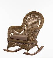 Плетеная кресло-качалка с приставным столиком Cruzo Виктория из натурального ротанга Коричневое (kk0015-0)