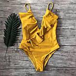Женский совместный горчичный купальник с рюшами, фото 2