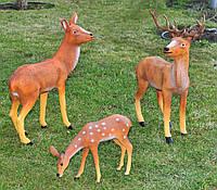 Садовая фигура Олень стоящий, Олениха и Косуля пасущаяся