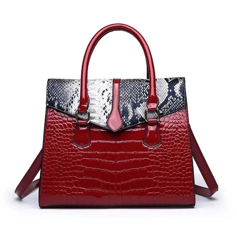 Большая женская сумка Reptile лаковая красная