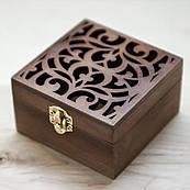 Скринька натуральне дерево, ручна робота квадратна прорізний малюнок