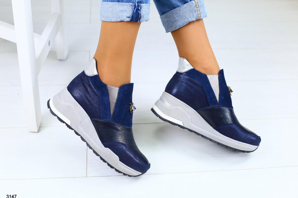 Женские кожаные закрытые туфли на платформе