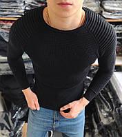Класичний чоловічий светр чорного кольору