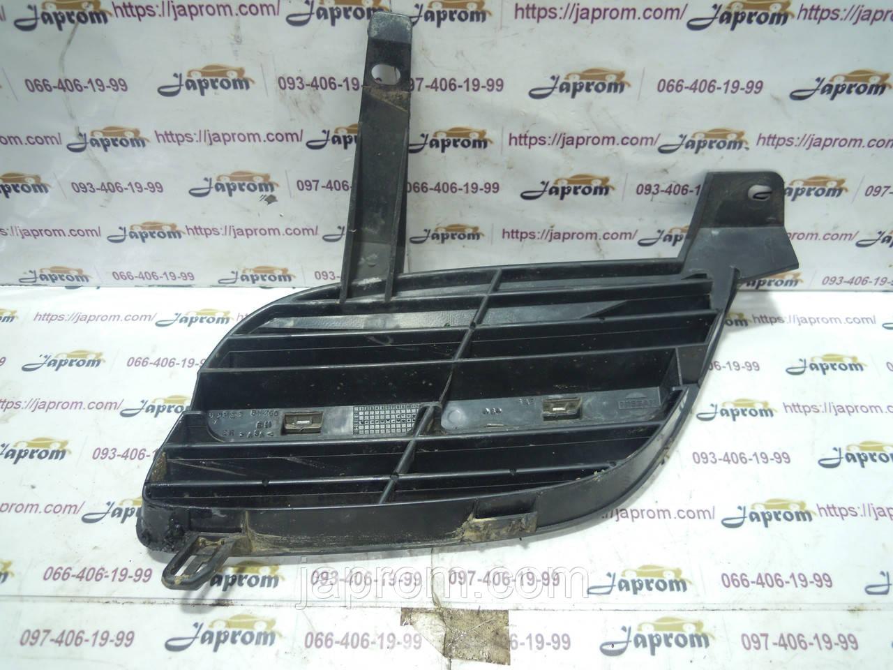 Решетка радиатора правая Nissan Almera N16 2000-2006г.в