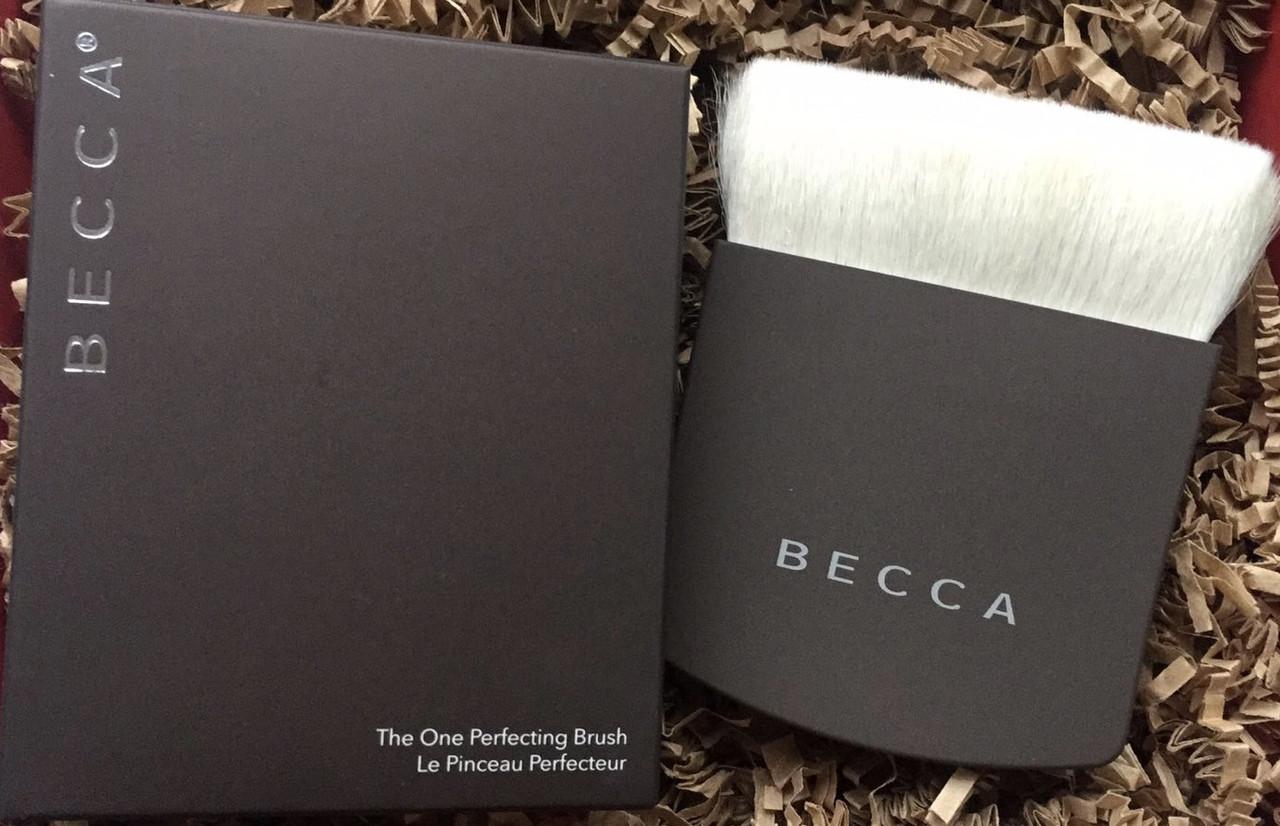 Becca The One Perfecting Brush универсальная кисть