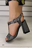 Женские замшевые босоножки на удобном каблуке, фото 3