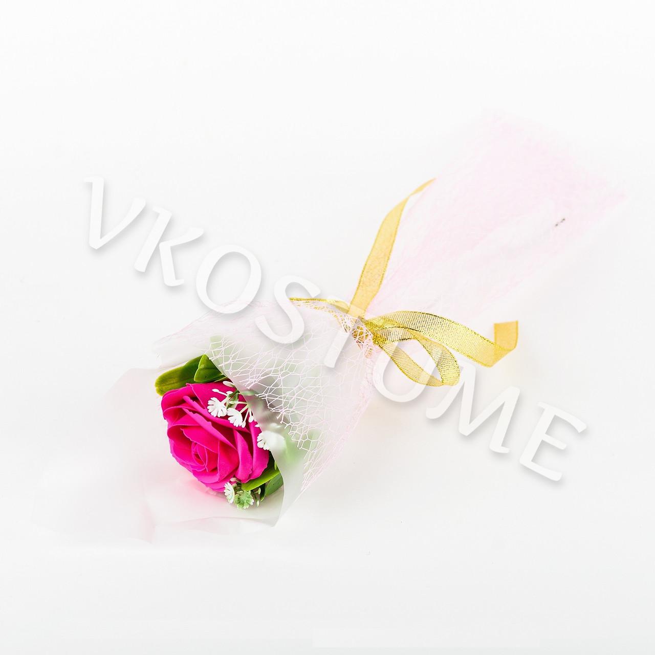 Подарочный букет с малиновой розой из ароматного мыла