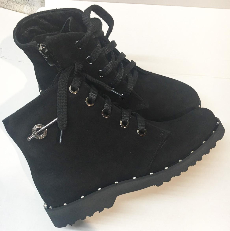 Ботинки женские замшевые на шнуровке, цвет черный
