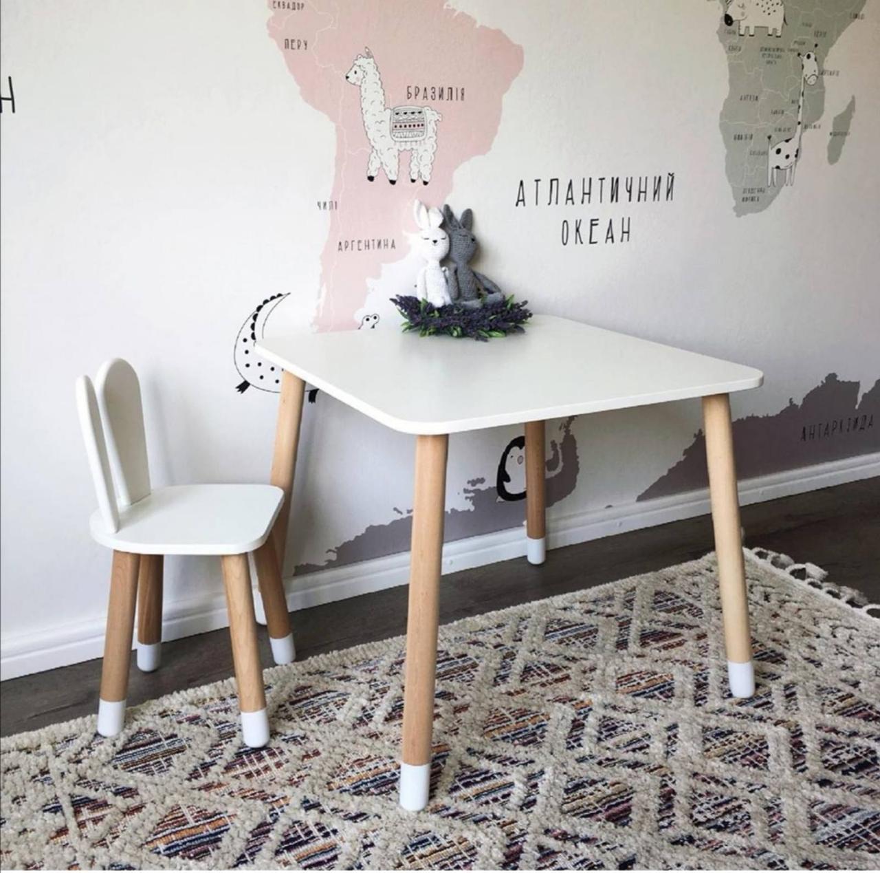 Дитячий стіл, 1 стілець (дерев'яний стільчик зайчик і квадратний столик)