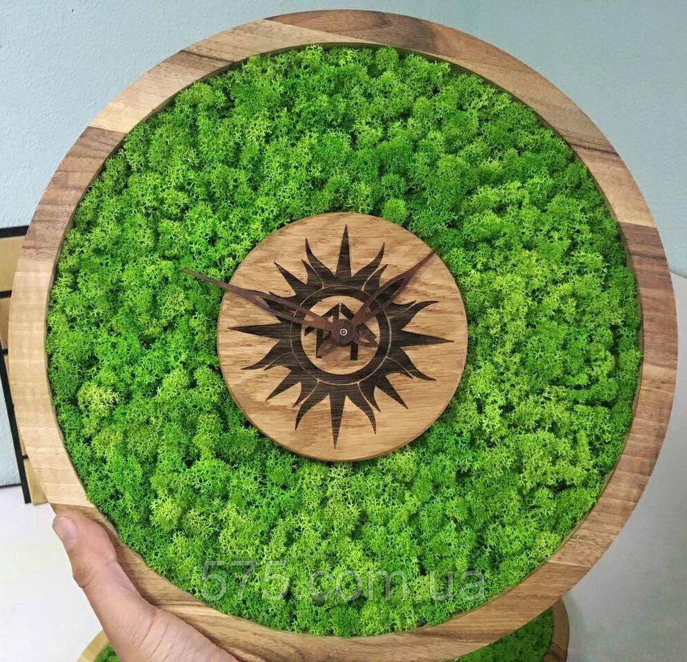 Часы настенные из дерева и Норвежского мха (35 см). Настольные часы.