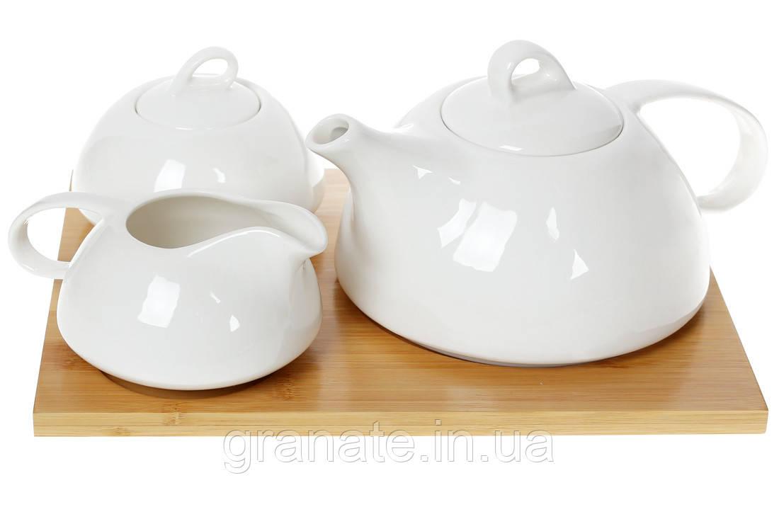 Чайный фарфоровый набор на бамбуковой подставке( чайник, молочник, сахарница)