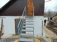 Лестница на чердак с перилами