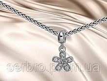 Шарм для браслета с цирконом в серебре Ромашка