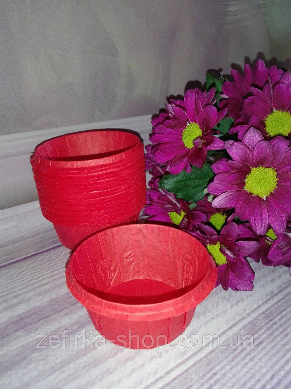 Формы бумажные для кексов усиленные с бортиком красные, 5* 3 см, 10 шт