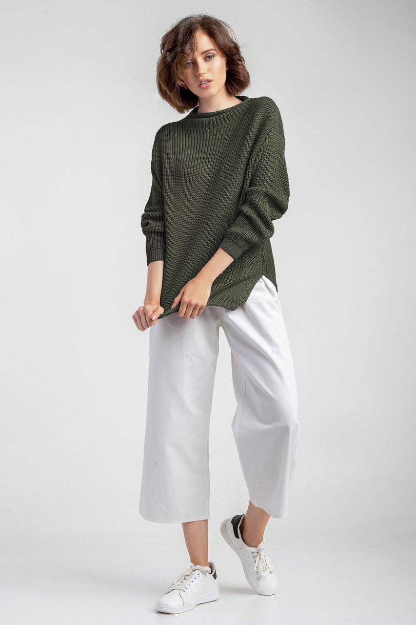 Мягкий женский вязаный джемпер свитер с прорезями