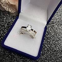 Серебряное кольцо  925 пробы с белым фианитом 4*4 мм. в центре.Размеры с 16-20,включая промежуточные