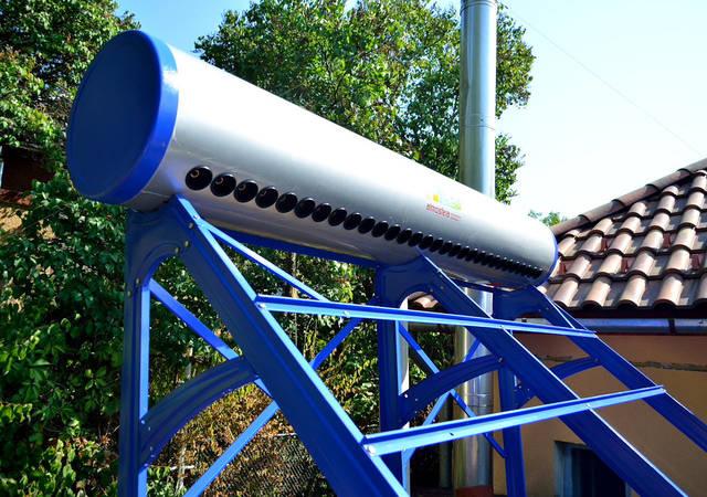 Сезонный вакуумный коллектор для нагрева горячей воды на 300 литров -1