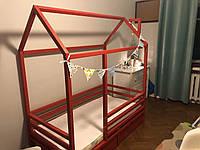 Детская Кроватка Домик с горизонтальным бортиком и ящиками