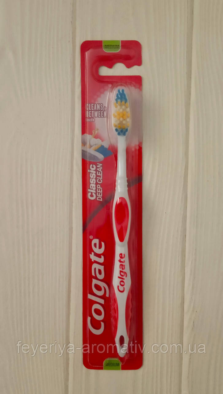 Зубная щетка Colgate Classic deep clean medium (Чехия)