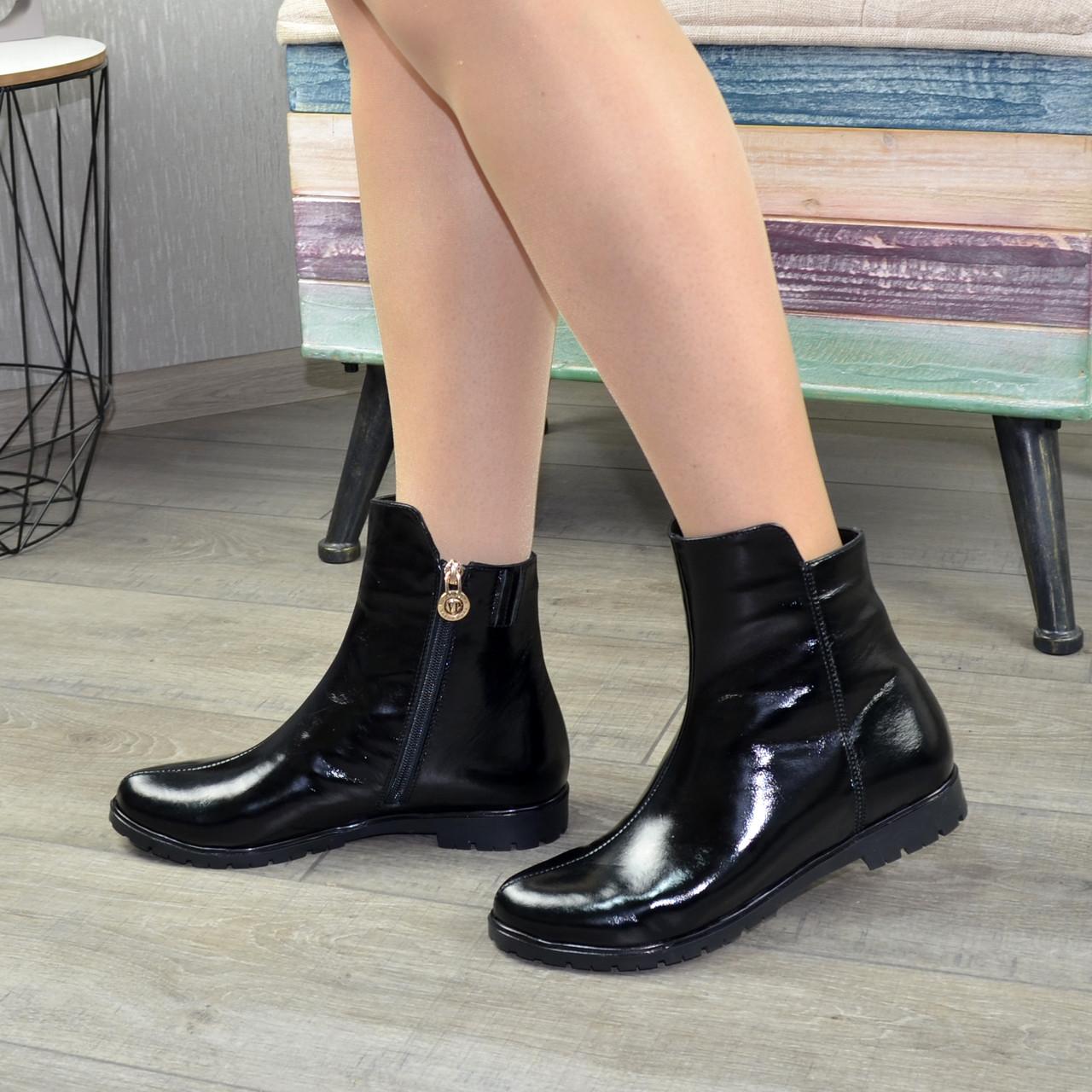 Ботинки черные женские лаковые на низком ходу