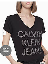 Футболка жіноча Calvin klein Rhinestone Stacked Logo V-neck